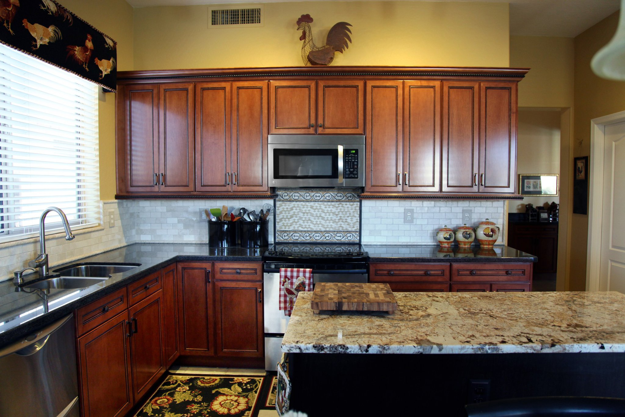 41st1 cave creek elite kitchen cabinetry design for Kitchen design and installation